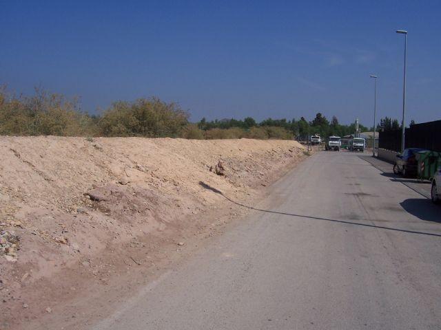 La Junta de Gobierno Local adjudica la contratación de un vial de acceso al colegio Luis Pérez Rueda, Foto 2