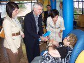 El director general de Personas Mayores junto con la alcaldesa de Totana y la concejal de Atención Social visitan los tres centros en los que se ofrece atención especializada a los mayores