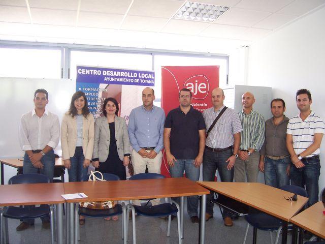 El ayuntamiento y Aje Guadalentín pondrán en marcha un plan local para promover nuevas actividades dirigidas a empresarios y nuevos emprendedores, Foto 1