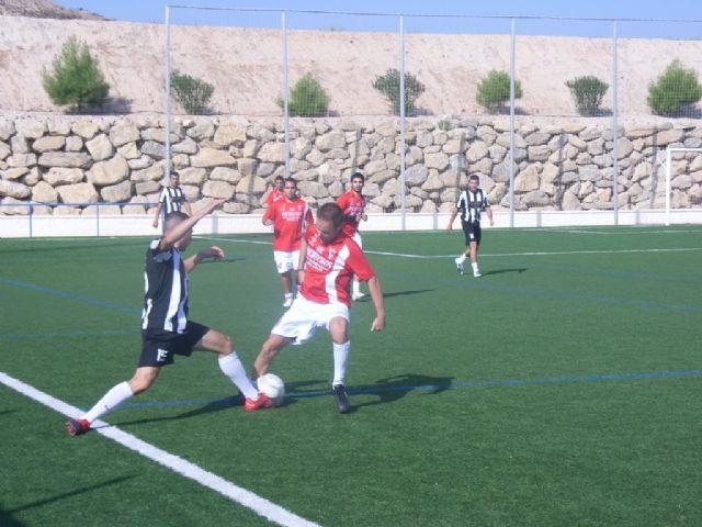La concejalía de Deportes ha puesto en marcha la Liga de Fútbol Aficionado Juega Limpio 2011-2012, Foto 1