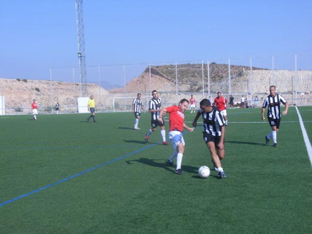 La concejalía de Deportes ha puesto en marcha la Liga de Fútbol Aficionado Juega Limpio 2011-2012, Foto 3