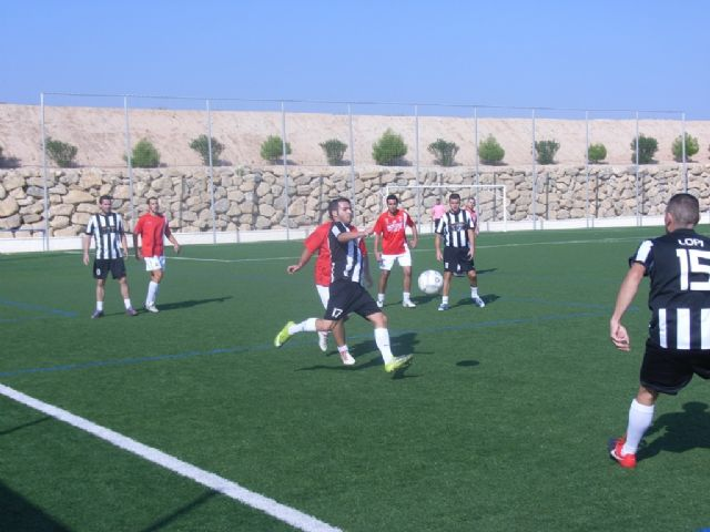 La concejalía de Deportes ha puesto en marcha la Liga de Fútbol Aficionado Juega Limpio 2011-2012, Foto 4