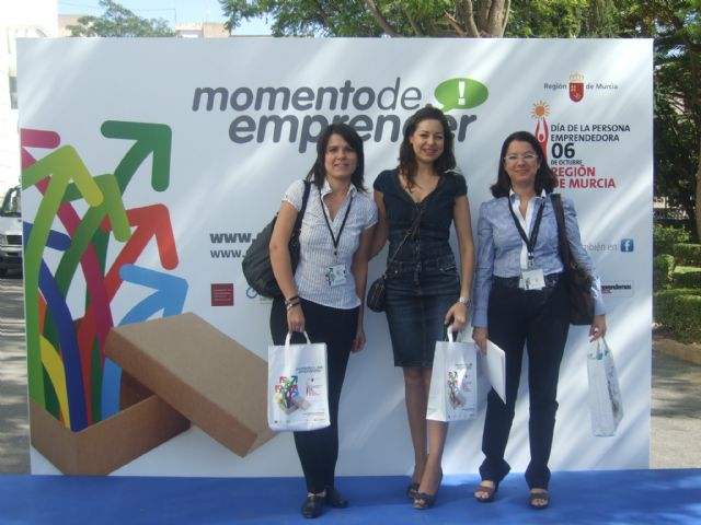 La concejal de Fomento y Empleo participa en la 6ª edición del Día de la persona emprendedora, Foto 3