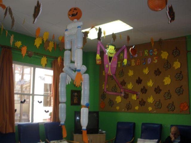 Los usuarios de los Centros de Día de Personas Mayores dependientes celebran Halloween, Foto 1