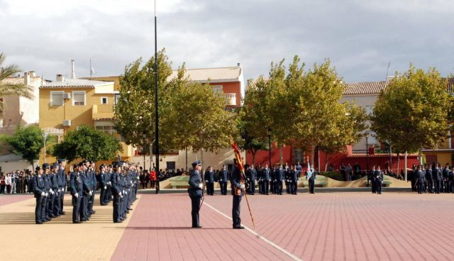 Autoridades municipales asisten al acto de jura de bandera en el marco de las II Jornadas de Caza, Turismo y Gastronomía, Foto 3