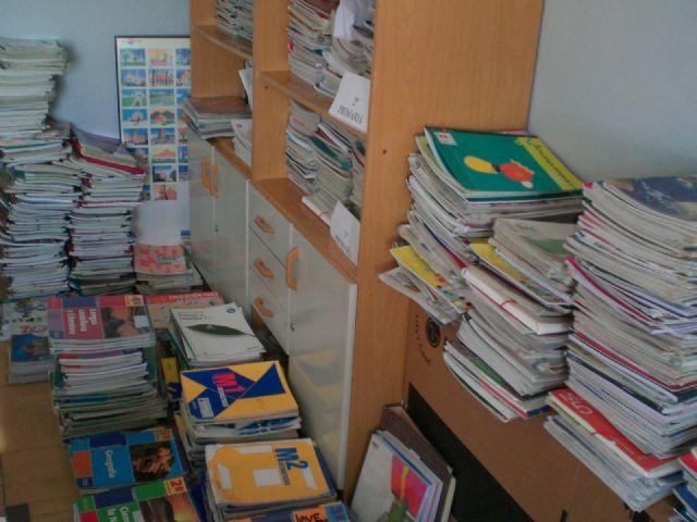 La campaña Sácale punta a tu material escolar permite ayudar a 87 familias de Totana con el préstamo de lotes de libros de texto, Foto 1