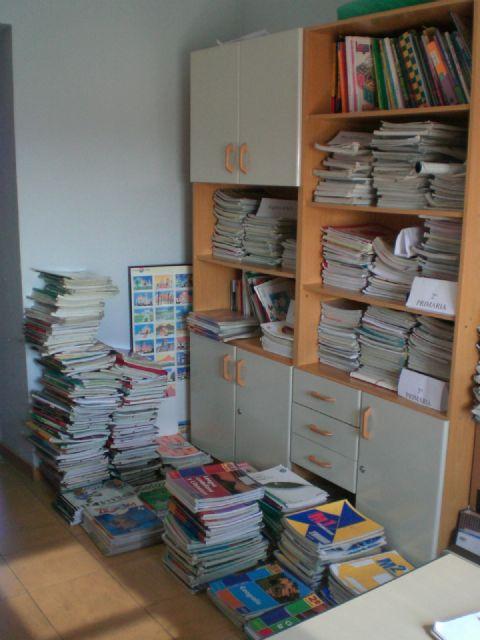 La campaña Sácale punta a tu material escolar permite ayudar a 87 familias de Totana con el préstamo de lotes de libros de texto, Foto 2