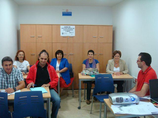 Finaliza con éxito el curso Gestión básica de asociaciones y nuevas tecnologías, Foto 1