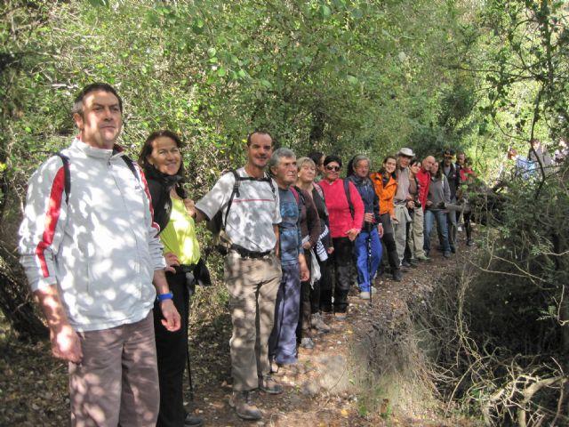 Una veintena de senderistas participan en una interesante ruta programada por el Parque Regional de Sierra Espuña, Foto 3