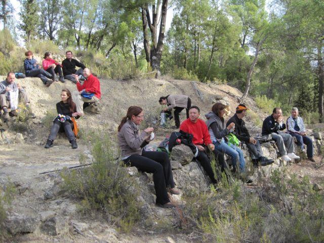 Una veintena de senderistas participan en una interesante ruta programada por el Parque Regional de Sierra Espuña, Foto 4