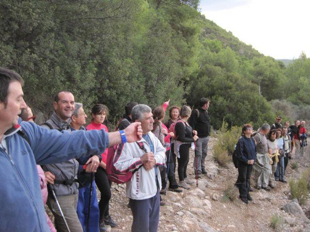 Una veintena de senderistas participan en una interesante ruta programada por el Parque Regional de Sierra Espuña, Foto 5