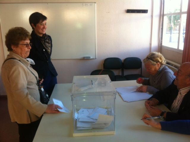 Se celebran las elecciones generales para elegir a los miembros del Consejo de Dirección del Centro Municipal de Personas Mayores, Foto 1