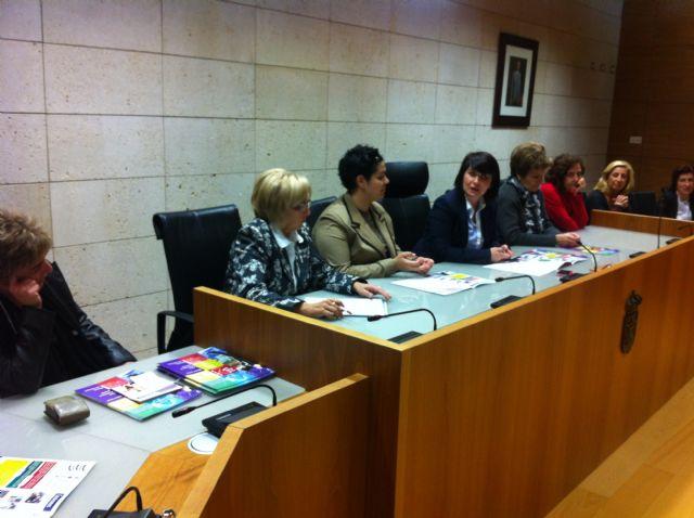 La alcaldesa de Totana anima a las mujeres empresarias a continuar trabajando y emprendiendo, Foto 2