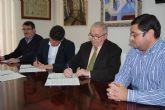 El Ayuntamiento firma un convenio con el Proyecto Abraham para la instalaci�n de contenedores de ropa, calzado y juguetes usados
