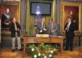 El Ayuntamiento y Ucomur firman un convenio para potenciar la economía social en el municipio