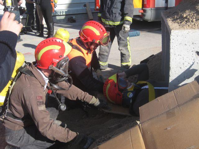 El Servicio de Emergencias Municipal de Protección Civil participa en las II Jornadas de Emergencias Sanitarias del 061, Foto 2