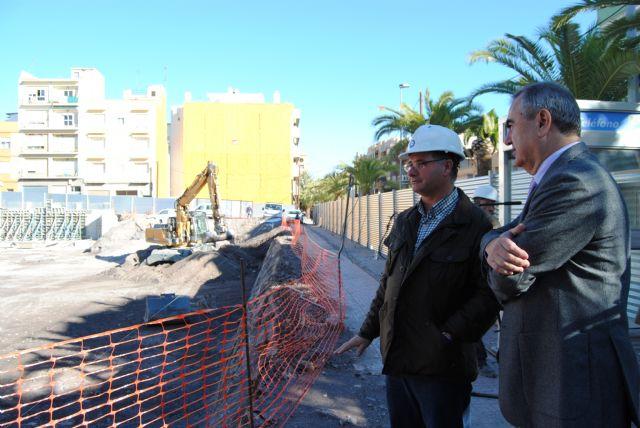 González Tovar visita las obras de reconstrucción del Cuartel de la Guardia Civil de Lorca, Foto 1