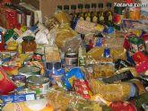 Cáritas y Adipsai reciben más de 700 kilos de comida y 200 litros de leche, aceite y zumos - 10