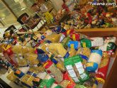 Cáritas y Adipsai reciben más de 700 kilos de comida y 200 litros de leche, aceite y zumos - 6