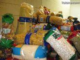 Cáritas y Adipsai reciben más de 700 kilos de comida y 200 litros de leche, aceite y zumos - 7
