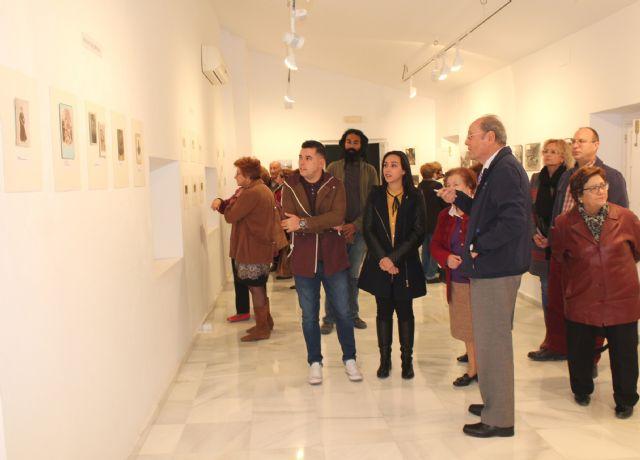 El cronista oficial de Puerto Lumbreras Juan Romera  inaugura su exposición de fotografías 'Ayer y hoy del Puerto' - 1, Foto 1