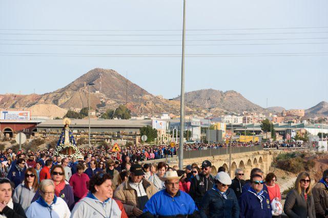 Una multitudinaria romería arropa a la Purísima en su regreso a Bolnuevo, Foto 5