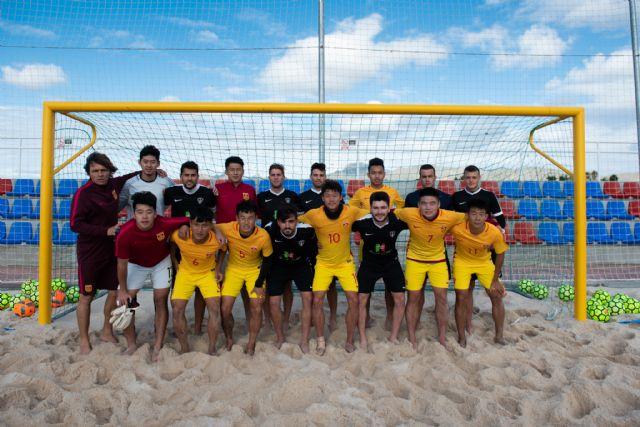 La Selección China de Fútbol Playa entrena en Mazarrón - 1, Foto 1