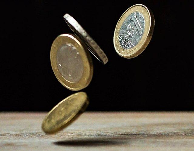 ADICAE: Si los bancos cambian los métodos, tienen que pagar la alfabetización a los consumidores y la administración pública ser subsidiaria - 1, Foto 1