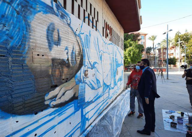 Diez artistas del graffitti decoran calles y plazas de Alcantarilla para celebrar el Día Universal del Niño - 1, Foto 1