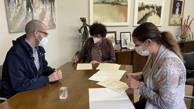 El Ayuntamiento suscribe un convenio con el Cabildo de Cofradías Pasionarias para el mantenimiento de su casa museo - 2, Foto 2