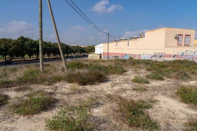El Ayuntamiento cede una parcela municipal para ampliar el centro de salud de Barrio Peral - 1, Foto 1