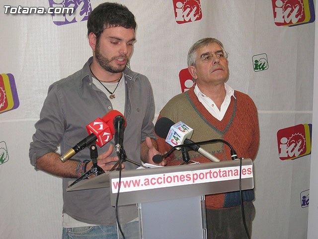Rueda de prensa IU-verdes Totana. PGOM, Foto 1