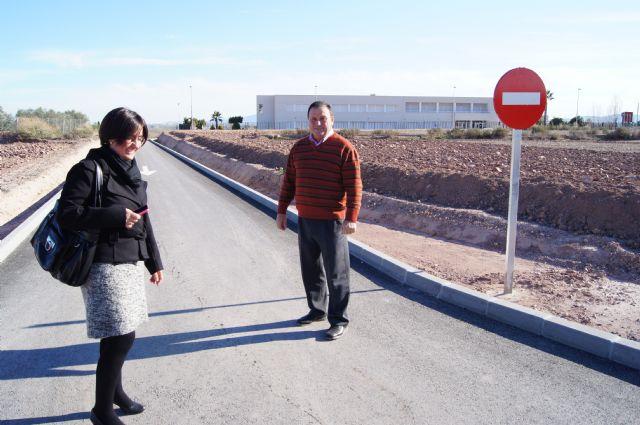 El Colegio Luís Pérez Rueda ya dispone del vial de acceso al centro educativo, Foto 1