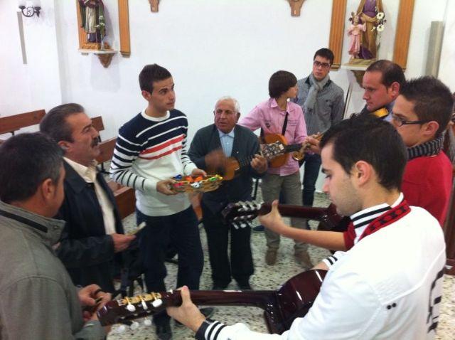 Autoridades municipales asisten al Raiguero Alto donde se celebró una misa en la ermita de Santo Domingo, Foto 3