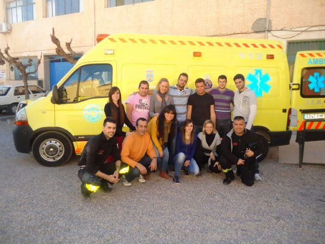 Los voluntarios de Protección Civil de Totana amplían sus conocimientos sanitarios con prácticas sobre accidentes de tráfico con víctimas, Foto 2