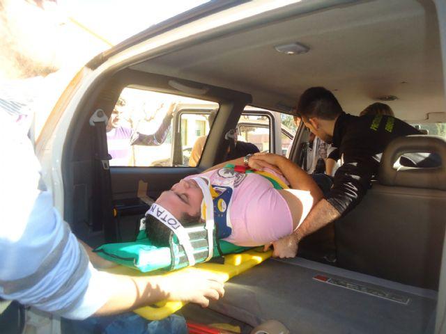 Los voluntarios de Protección Civil de Totana amplían sus conocimientos sanitarios con prácticas sobre accidentes de tráfico con víctimas, Foto 4