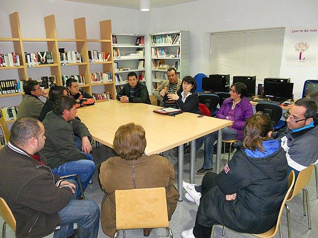 La alcaldesa se reúne con los vecinos del Paretón para informar sobre las propuestas del PGMO con relación a la pedanía, Foto 1