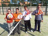 El torneo benéfico de pádel recauda 900 euros para ASPADEM