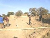 El pasado Martes, 7 de Febrero, comenzaba en un lejano rincon perdido del Africa más ancestral la construcción de un nuevo colegio