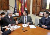 La Universidad de Murcia firma un convenio para que los estudiantes realicen pr�cticas en empresas del Guadalent�n