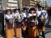 El carnaval llega a Puerto de Mazarrón con un desfile por el paseo - Foto 1