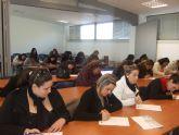 Más de una treintena de personas se presentan a la prueba de selección del curso Auxiliar de centros de estética y belleza