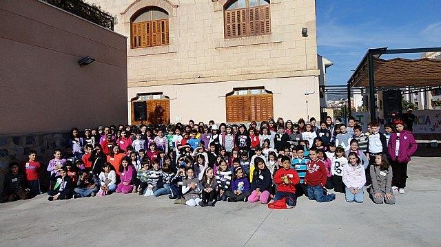 Alrededor de 150 jóvenes participaron en la I Convivencia de Jóvenes Nazarenos de Totana, Foto 1