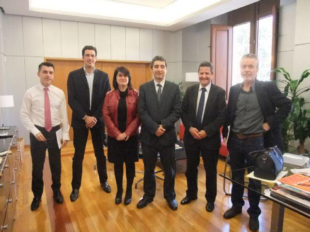 La alcaldesa se reúne con el Consejero de Cultura y Turismo para repasar algunos proyectos, Foto 1