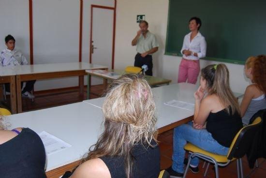 Constituida la Comisión Municipal de Absentismo Escolar, Foto 1