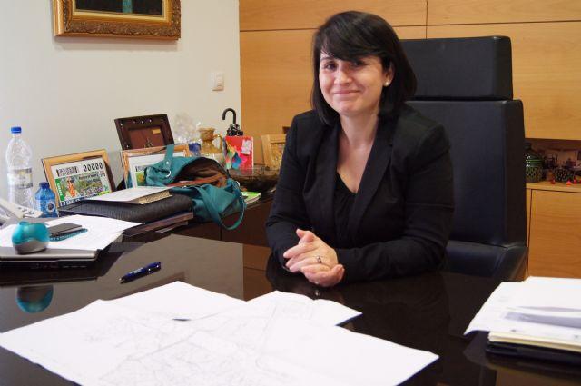 La alcaldesa cifra en 1,2 millones de euros el ahorro anual que supondrá dejar de costear los gastos de mantenimiento de los centros de enseñanza, Foto 1
