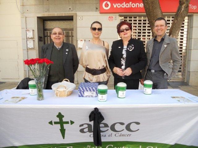 La Junta Local de Totana de la AECC recauda 2.883 euros en la cuestación realizada el pasado Domingo de Ramos, Foto 1