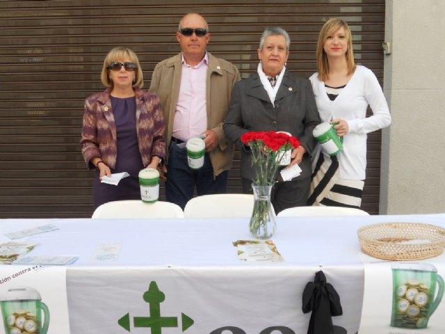 La Junta Local de Totana de la AECC recauda 2.883 euros en la cuestación realizada el pasado Domingo de Ramos, Foto 3