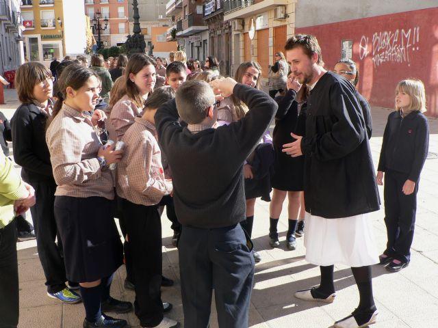 Los escolares de Mazarrón conocen los edificios históricos a través de visitas teatralizadas, Foto 2