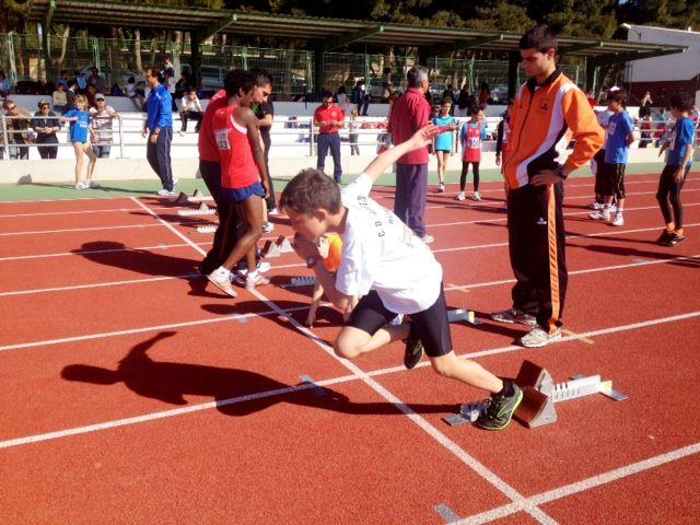 Álvaro Carreño campeón regional alevín de lanzamiento de jabalina, Foto 2